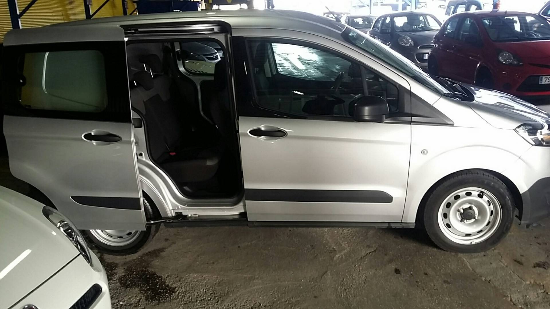 ford transit courier kombi 1 0 ecoboost sales used cars. Black Bedroom Furniture Sets. Home Design Ideas